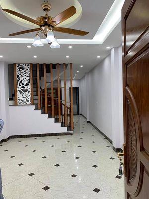 Bán nhà Hoa Lâm- Long Biên 35m 5t giá 2.75 tỷ