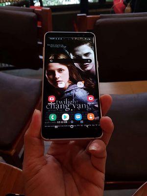 Galaxy A8 2018,2 sim,2 camera,ram 4gb