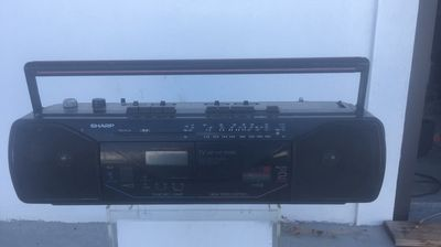 cần thanh lý radio cassette shap qt-y23u