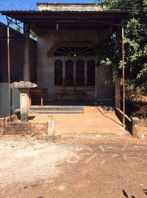 Bán nhà nát 95m ngay khu dân cư Tân Lâm - XM