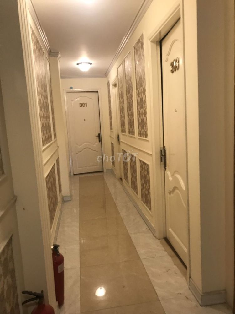 Tòa nhà Hầm 4 lầu DTCN: 100m2. Giá 16.8 tỷ