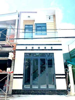 Nhà trệt lầu trục chính Hẻm 105 Trần Quang Diệu