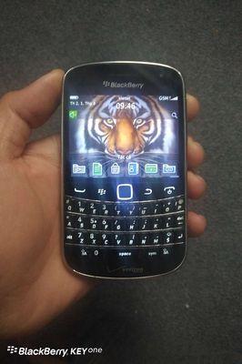 BlackBerry Bold Touch 9930 zin, còn Void