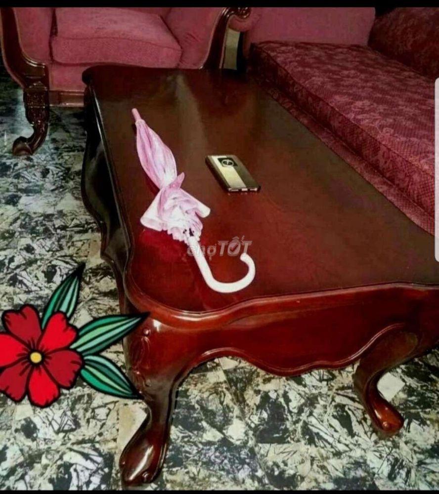 Sofa cổ điển sang trọng màu đô 3 ghế v bàn to đồ