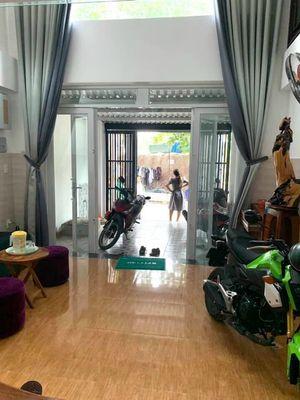 Khách sạn Mini Nguyễn Ảnh Thủ 4x17m 1 trệt 4 lầu