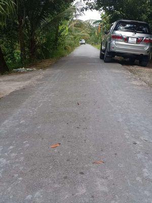 Đất vườn 2.200m có 150m thổ cư xe hơi tới đất