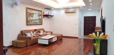 căn hộ chung cư 144 m2,3 PN tòa Star Tower Dương Đ