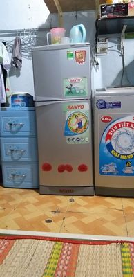 Cần bán tủ lạnh Sanyo 143l đời mới.bảo hành 3tha