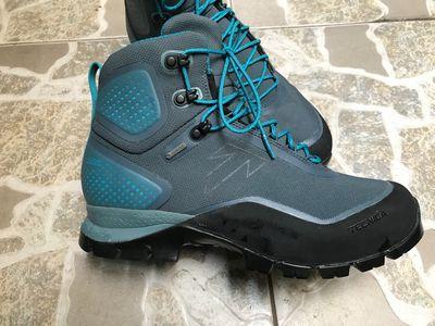 Giày leo núi Tenica chính hãng size 40,5