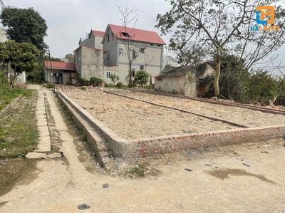 Bán đất 60,5m2 Tổ 10 TT Quang Minh