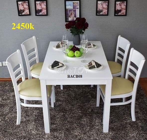 Khuyến mại giảm giá toàn bộ bàn ghế ăn