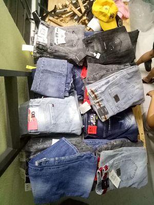 Còn 10 cái quần short jean nam size 28 29 30 32