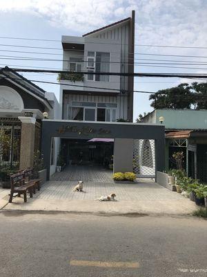 Nhà đẹp 1 trệt 2 lầu Huỳnh Công Giản TP Tây Ninh