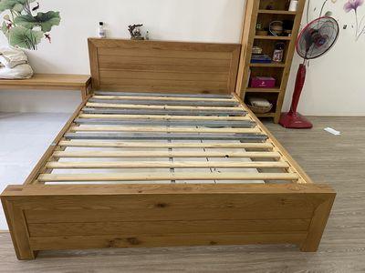 Giường gỗ sồi Mỹ 1.6 x 2m mới nguyên mua ở T.HOME