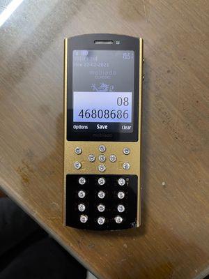Mobiado ruột 6700 . pin > 2 ngày gl máy 2 sim