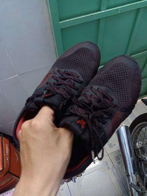 Giày thể thao nữ Bitis Hunter X black size 38