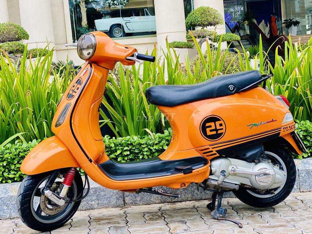 CẦN BÁN VESPA LX125CC.NHẬP Ý.DK 2011