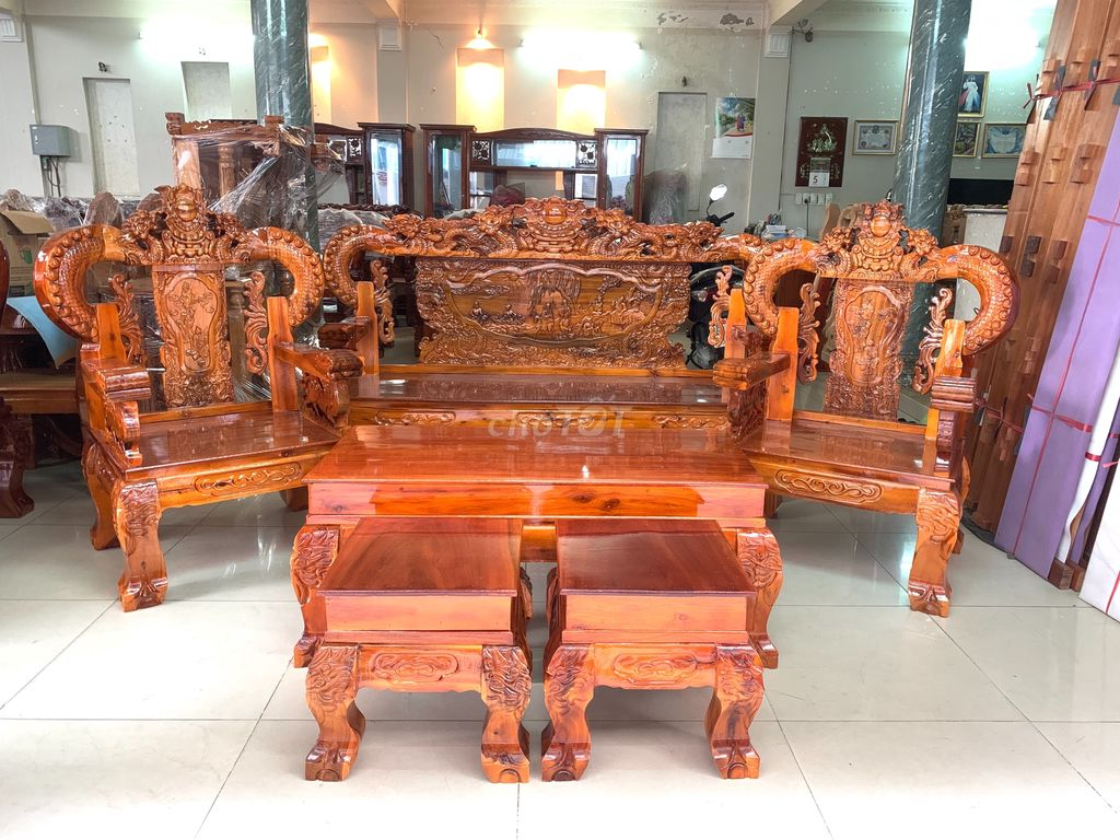 Salon Rồng Khuỳnh Bát Tiên