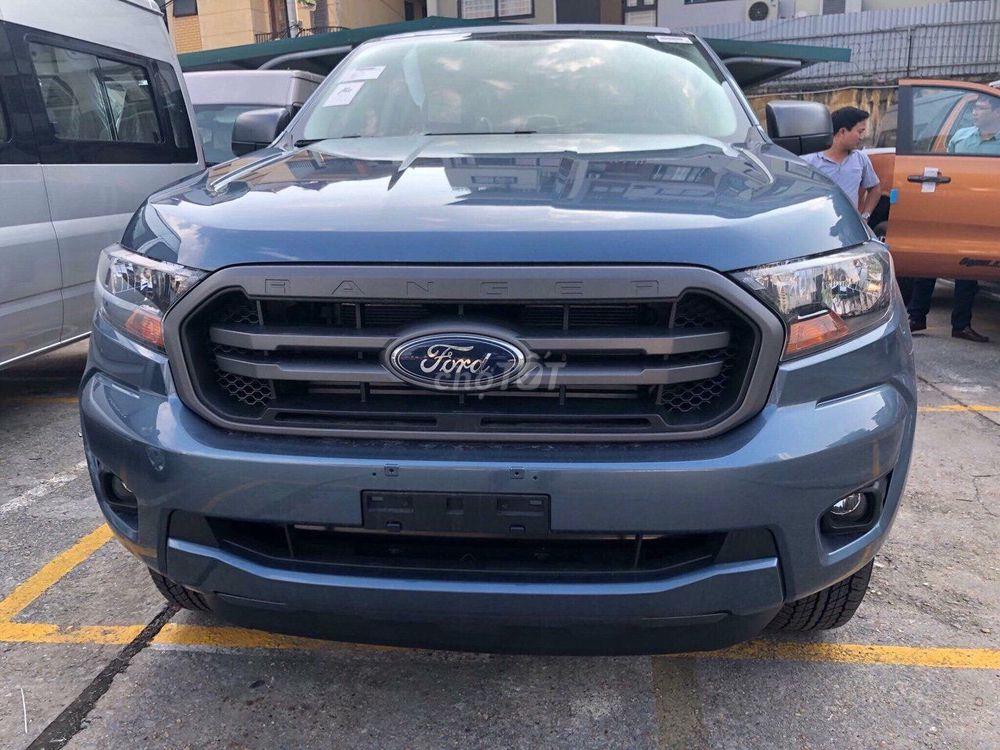 Ford Ranger Số Sàn, 2 cầu, tiện dụng