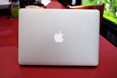 MACBOOK AIR 2016 < CORE i5, 8G, 256G, 13.3IN > 99%