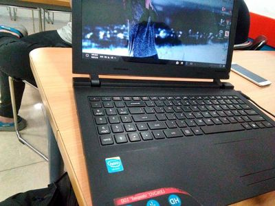 Lenovo IdeaPad Intel Celeron 4 GB, Hdd 750 GB.