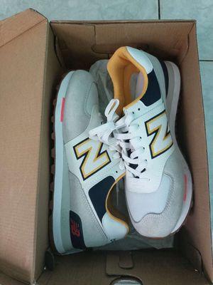 Giày New balance size 42 giày còn mới