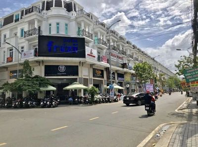 Bán nhà 1 trệt 3 lầu đường Nguyễn Văn Cừ Tp Pleiku
