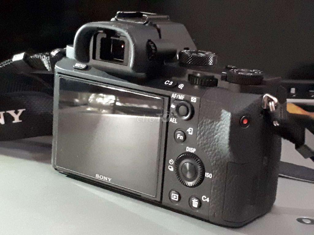 Sony A7II mới chụp vài trăm shot