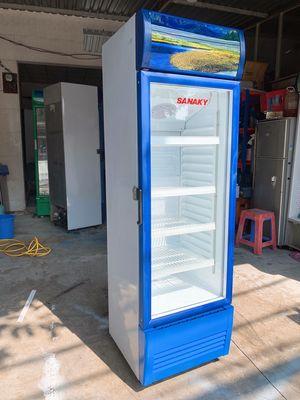 Tủ đèn led sanaky tiết kiệm điện 301 lít