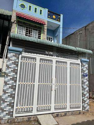 Nhà 1 trệt 1 lầu 60m2 đường Trần Văn Mười Hóc Môn