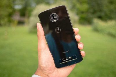 Motorola Moto Z3 Snap 835 vân tay cạnh viền 5G