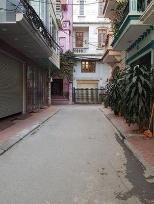 Nhà Phạm Văn Đồng 68m2, 4T,khu phân lô oto , 6.8tỷ
