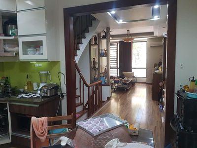 Rẻ tặng lại nội thất ngõ phố Chùa Láng, 38m, 5 T