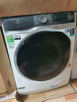 Máy giặt sấy Electrolux 8kg EWW8023AEWA mới 100