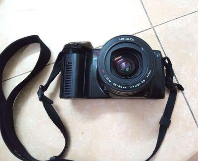 Máy ảnh phim minolta 7700i+lens Minolta 36-80.