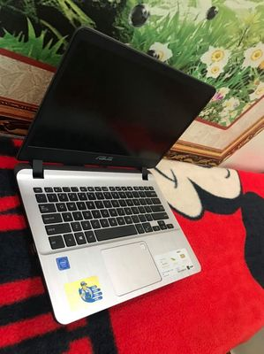 Asus x407m, chip N4000, ram 4g, ổ ssd 120g