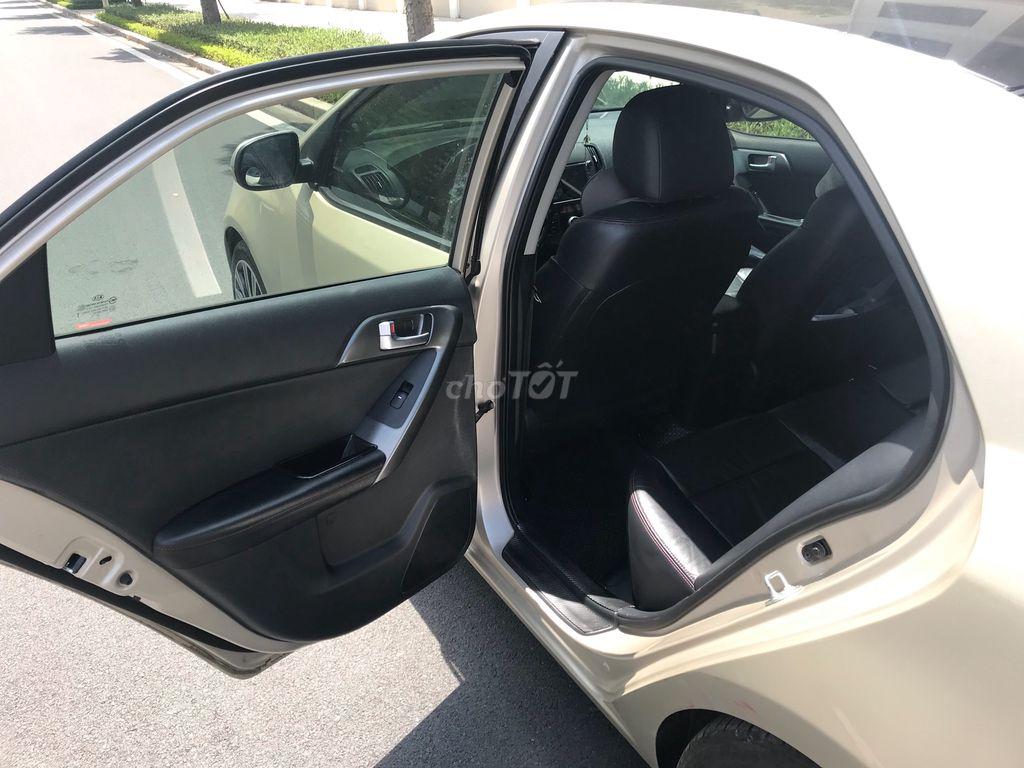 0933091986 - Chính chủ bán xe Kia Forte 2011
