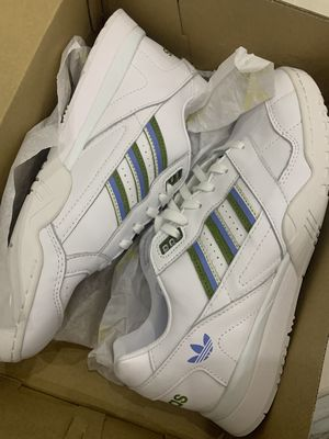 Giày Sneaker Adidas, trắng, size 38.5