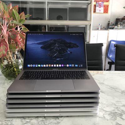 MacBook Pro 2017 13 inch  Ram 8Gb SSD 256Gb