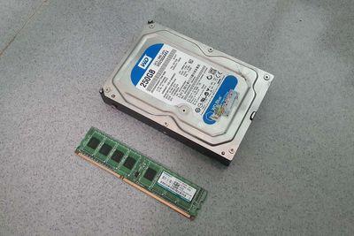 HDD WD 250GB + Ram DDR3 4GB