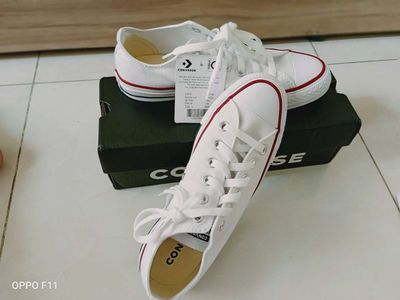 Giày CONVERSE NEW 100% cần sale giày size 39(5 )