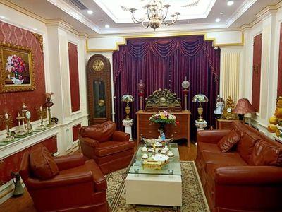 Bán nhà Trung Hòa, 43m2, ô tô, giá chỉ 3 tỷ 6