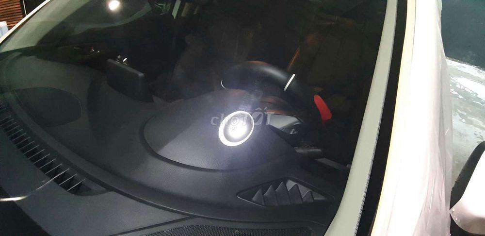 Đánh bóng - xóa xước kính lái ôtô chuyên nghiệp ĐN