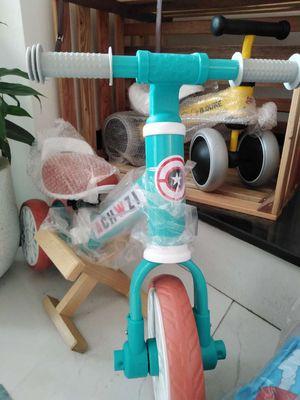 xe cân bằng có bàn đạp hoặc tháo ra