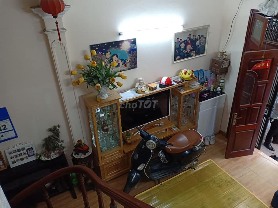Nhà đẹp phố Minh Khai, Hoàng Mai 35m2, 3T, 2.1tỷ.
