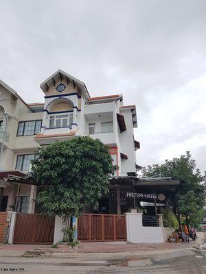 Cho Thuê Nhà 2 Mặt TIền Nguyễn Thị Thập, Quận 7