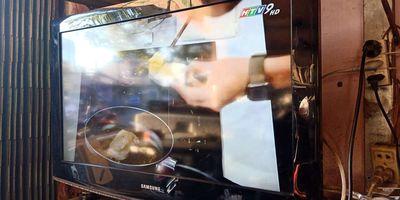 Tivi Samsung 32 LCD cũ kiện có chân
