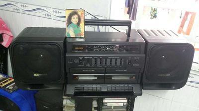 Sanyo mw940k radio cassette zin 100%