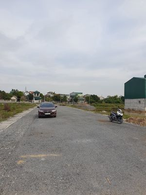 Đất 120m2(6x20)..đường 8m,cửa ngõ Tam Chúc...850tr