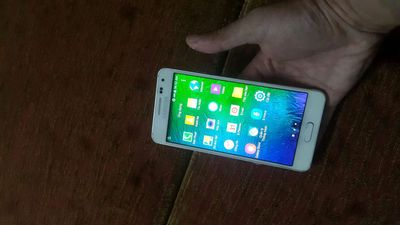 Samsung Dòng khác Trắng 32 GB